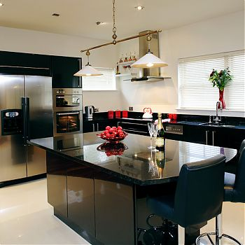 The contemporary black kitchen - feature!